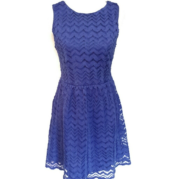 Francesca's Collections Dresses & Skirts - Alya Francesca's Collection Blue Lace Dress Large